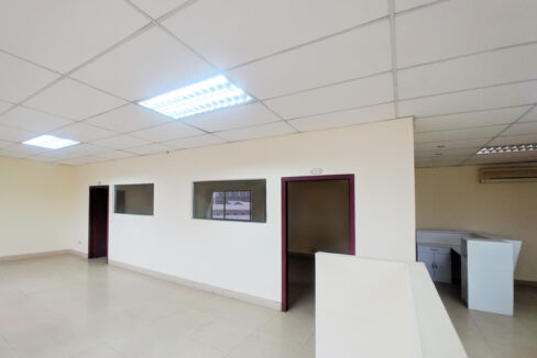 111 SQM Office Space For Rent Near Central Market Img1
