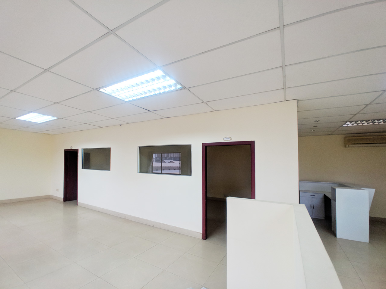 111 SQM office space for rent near central market