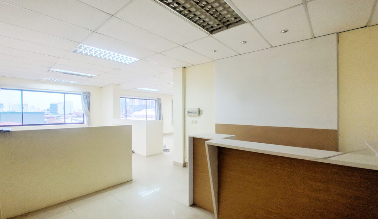 111 SQM Office Space For Rent Near Central Market Img2