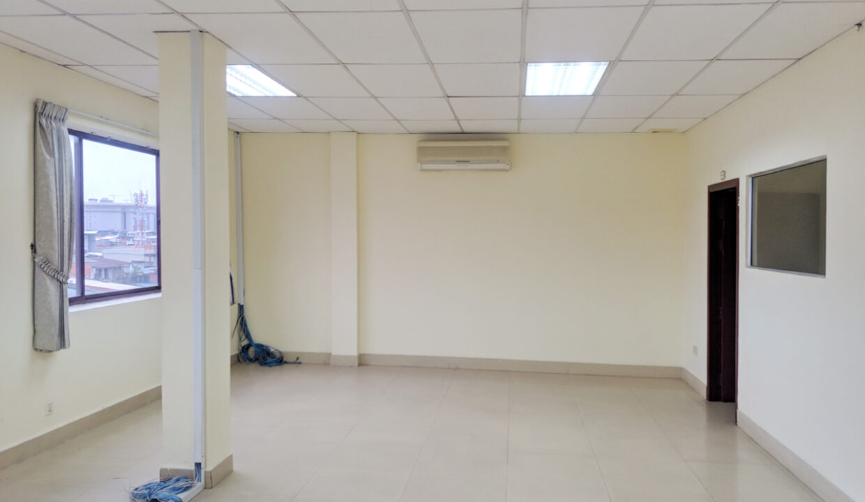 111 SQM Office Space For Rent Near Central Market Img3