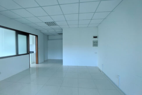 136 Sq M Office Space For Rent @ Daun Penh Area Img1