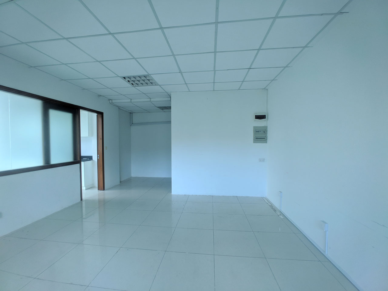 136 Sq m office space for rent @ Daun Penh area
