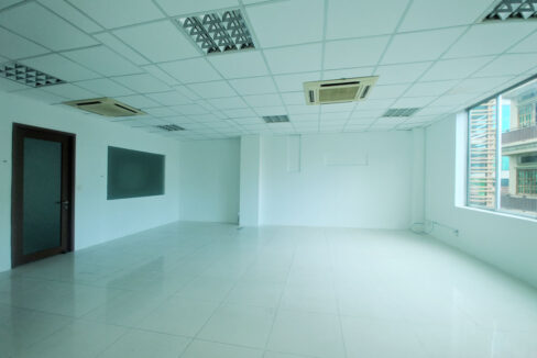 136 Sq M Office Space For Rent @ Daun Penh Area Img2