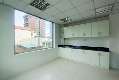 136 Sq M Office Space For Rent @ Daun Penh Area Img5