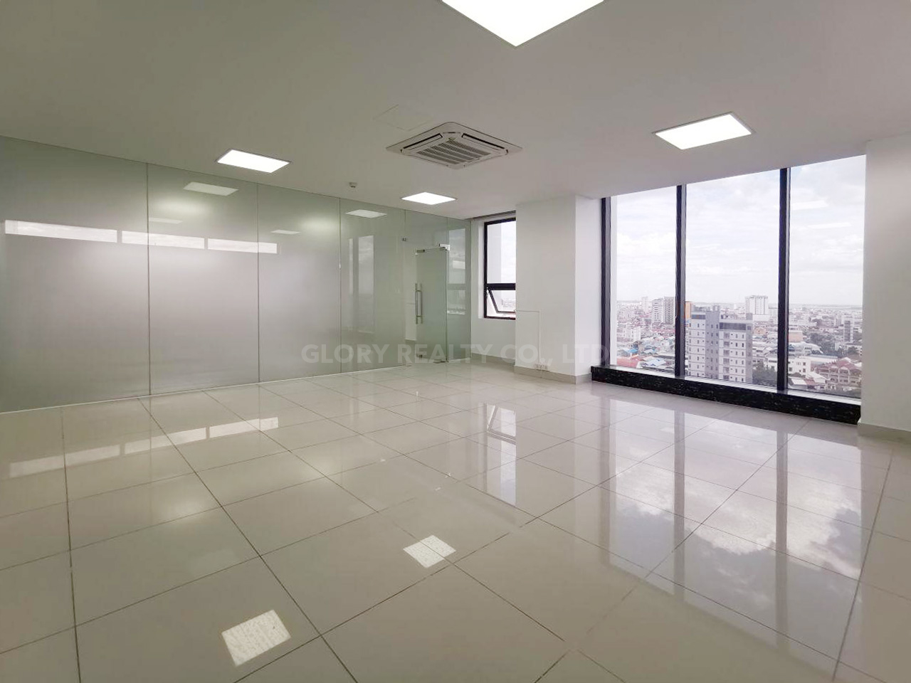 138 Sqm office space for rent in Sangkat Toul Tumpong 2