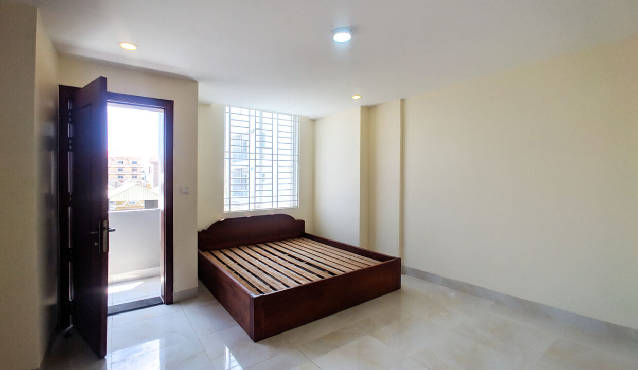 14 Room House Apartment For Rent @ Tuol Kork Area Img5