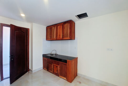 14 Room House Apartment For Rent @ Tuol Kork Area Img8