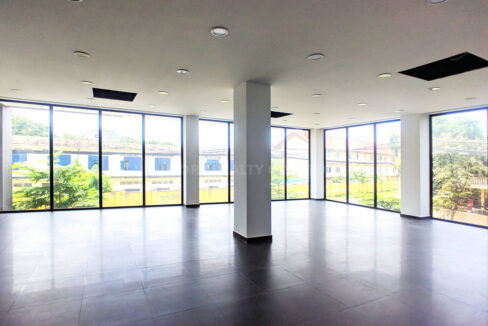 154 SQM Office Space For Rent In Toul Kork Area Img1