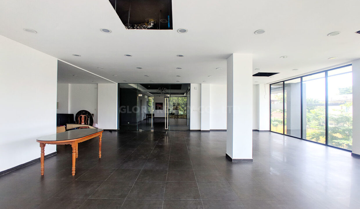 154 SQM Office Space For Rent In Toul Kork Area Img2