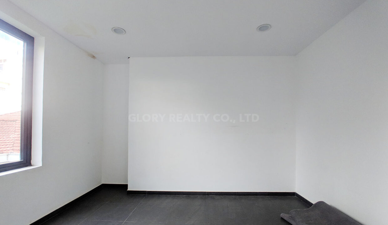 154 SQM Office Space For Rent In Toul Kork Area Img3