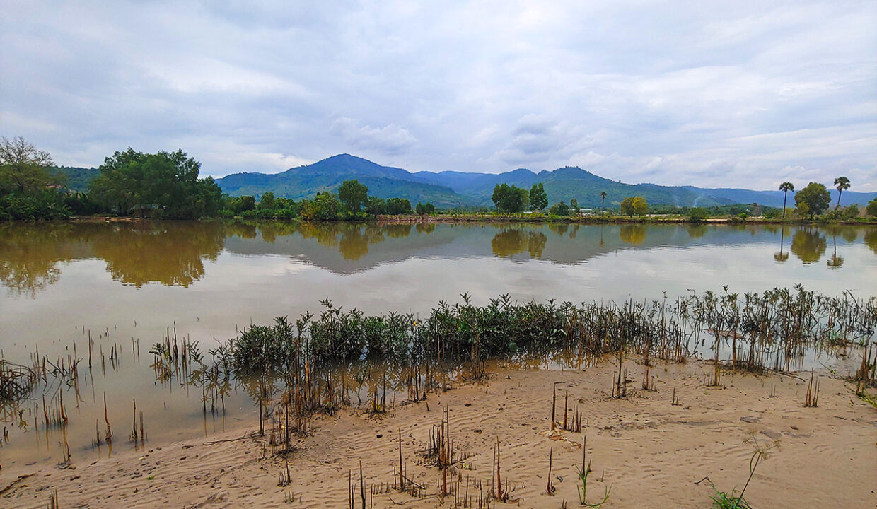 15549 Square Meters Land For Sale @ Kampot Province Img1