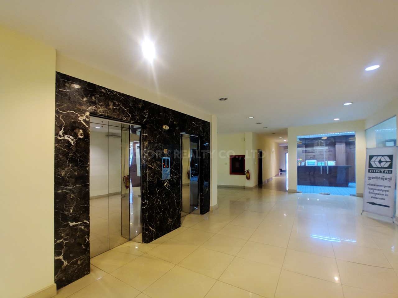176 SQM office space for rent near central market