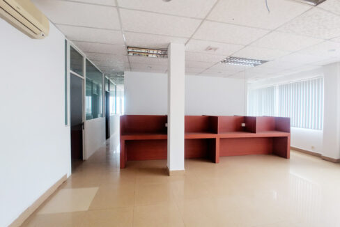 176 SQM Office Space For Rent Near Central Market Img3