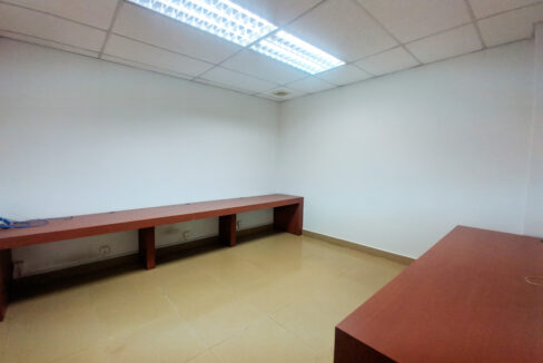 176 SQM Office Space For Rent Near Central Market Img4
