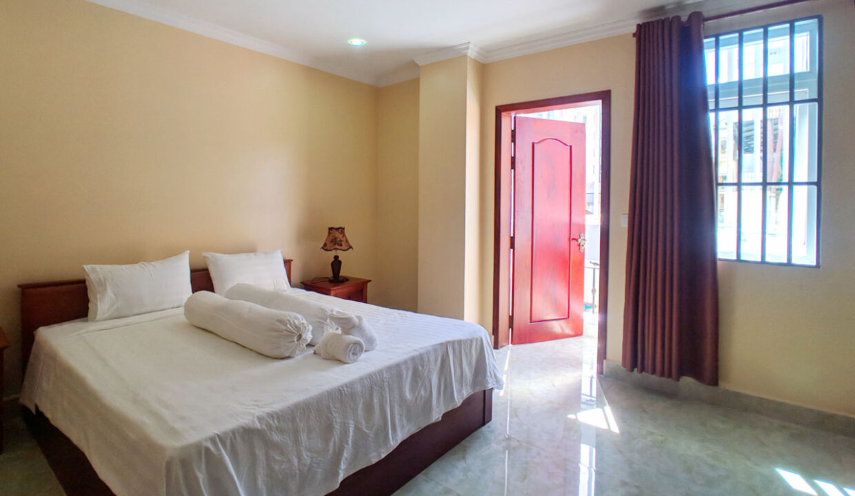 2 Beds 100 Sq M Apartment For Rent @ Tuol Tumpung Area Img1