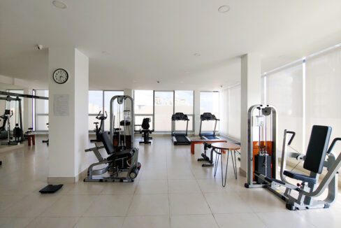 2 Bedrooms Condo For Rent Near France Embassy Img11