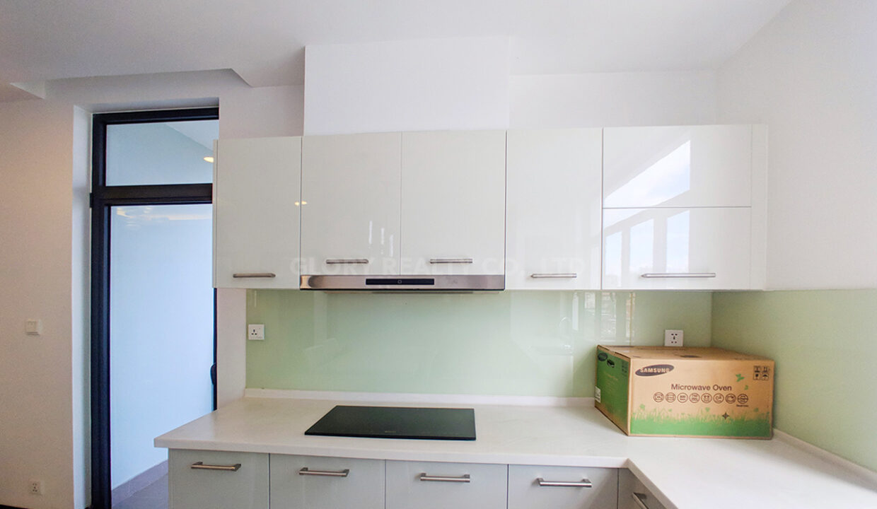 2 Bedrooms Condo For Rent Near France Embassy Img5