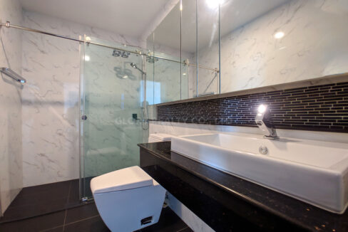 2 Bedrooms Condo For Rent Near France Embassy Img7