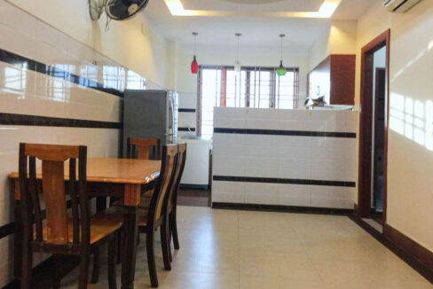 22 Beds Whole Apartment For Rent @ Toul Tumpoung Area Img1
