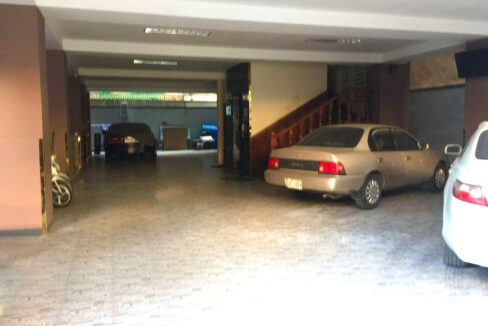 22 Beds Whole Apartment For Rent @ Toul Tumpoung Area Img2