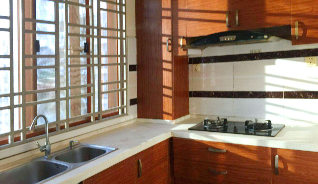 22 Beds Whole Apartment For Rent @ Toul Tumpoung Area Img9