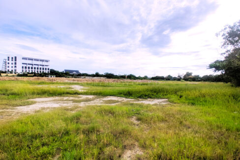 27000 SQM Land For Rent Along Main Road Boeung Kob Srov Img2