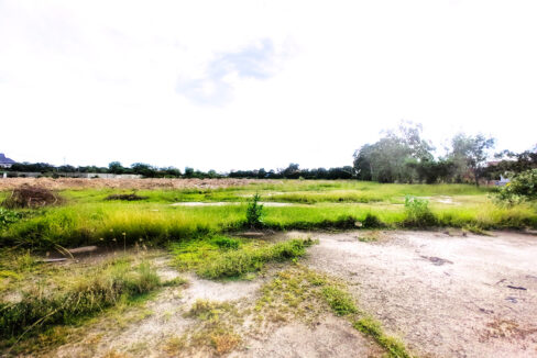 27000 SQM Land For Rent Along Main Road Boeung Kob Srov Img3