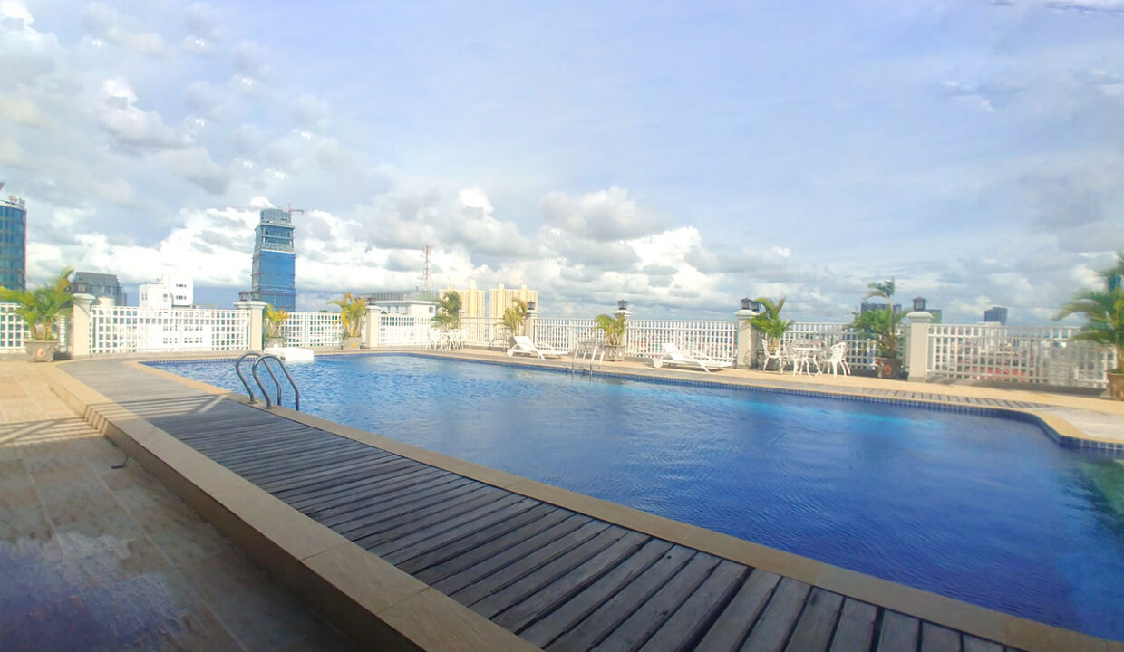 3 Master Beds Plus 1 Small Room Penthouse For Rent @ BKK 1 Img12