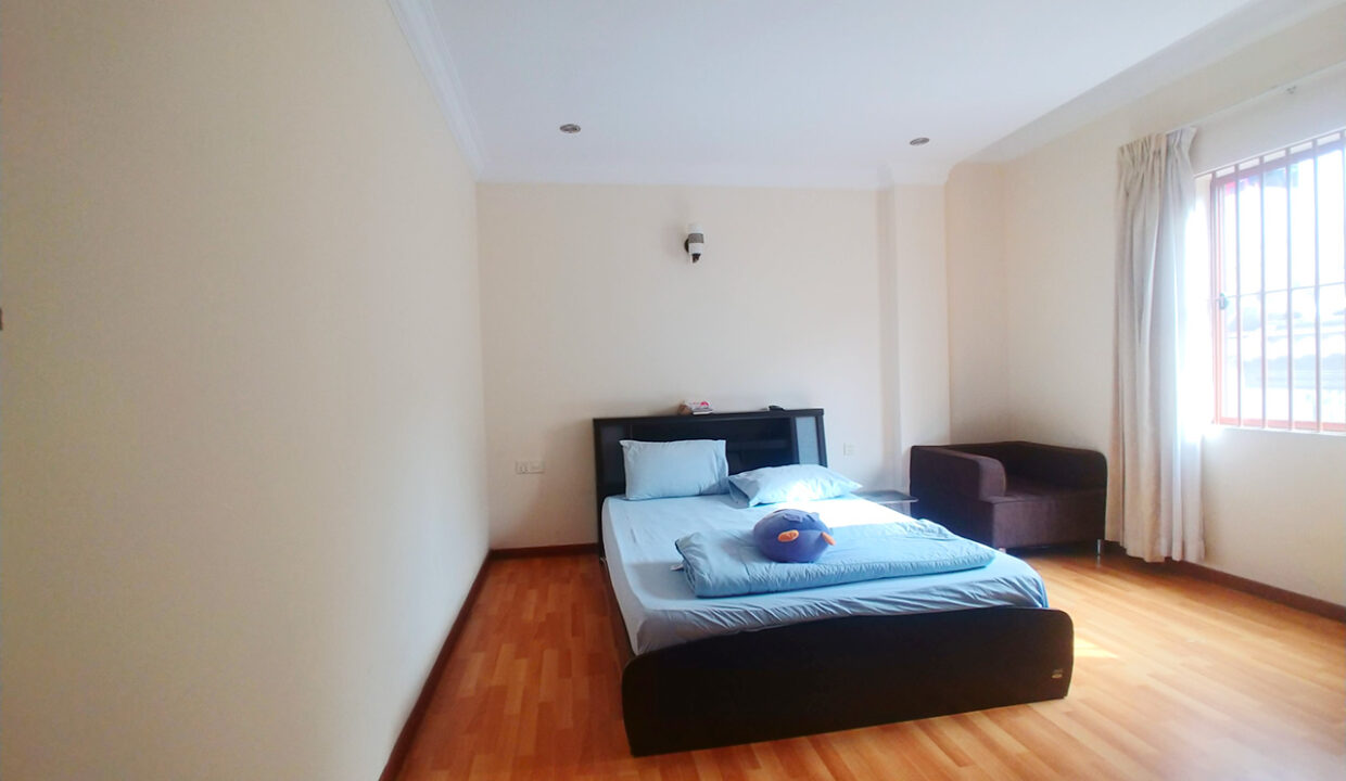 32 Rooms Whole Apartment For Rent @ BKK Area Img1