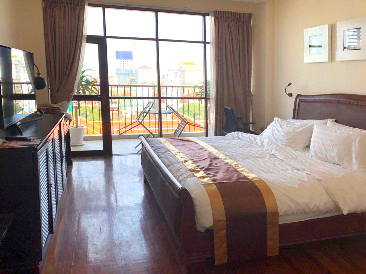 33 Bedrooms Boutique Hotel for Rent in Daun Penh Area