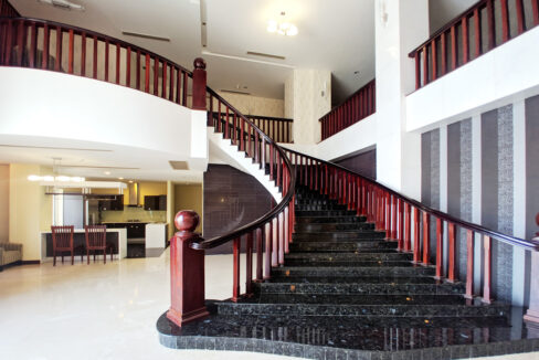4 Beds Penthouse Apartment For Rent @ Tuol Kork Area Img10