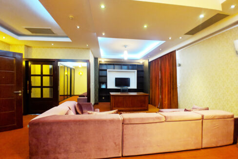 4 Beds Penthouse Apartment For Rent @ Tuol Kork Area Img12