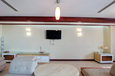 4 Beds Penthouse Apartment For Rent @ Tuol Kork Area Img3