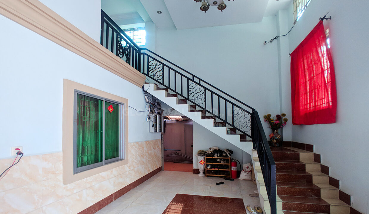 46 Rooms Guesthouse For Rent @ Tuek Thla Area Img1