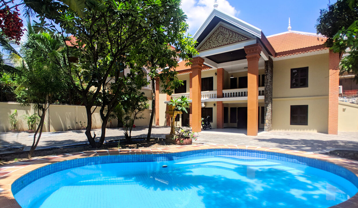 5 Bedrooms Villa With Pool For Rent @ Toul Kork Area Img2
