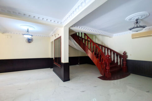 5 Bedrooms Villa With Pool For Rent @ Toul Kork Area Img7