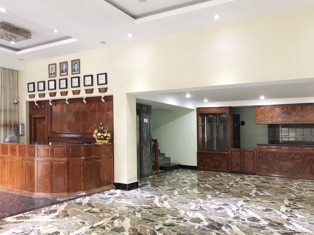 56-room hotel building for rent situated in 7 Makara area