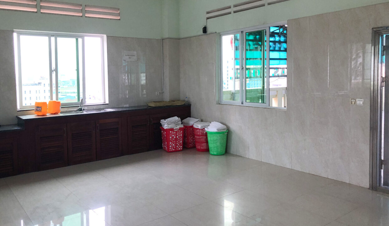 56 Room Hotel Building For Rent Situated In 7 Makara Area Img12