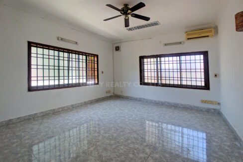 6 Bedrooms Villa With Garden For Rent @ BKK 1 Img6