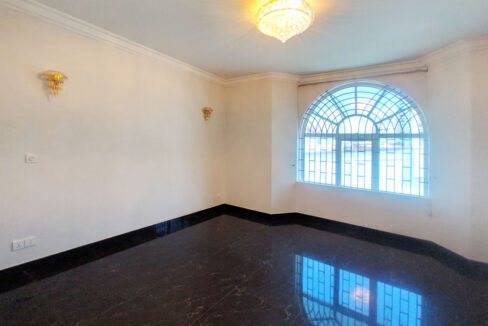 6 Bedrooms Villa For Rent @ Tuol Tumpoung 2 Area Img4
