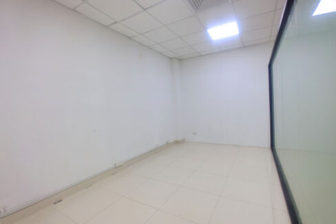 60 Sq M, Main Road Office Space For Rent @ BKK 1 Img2
