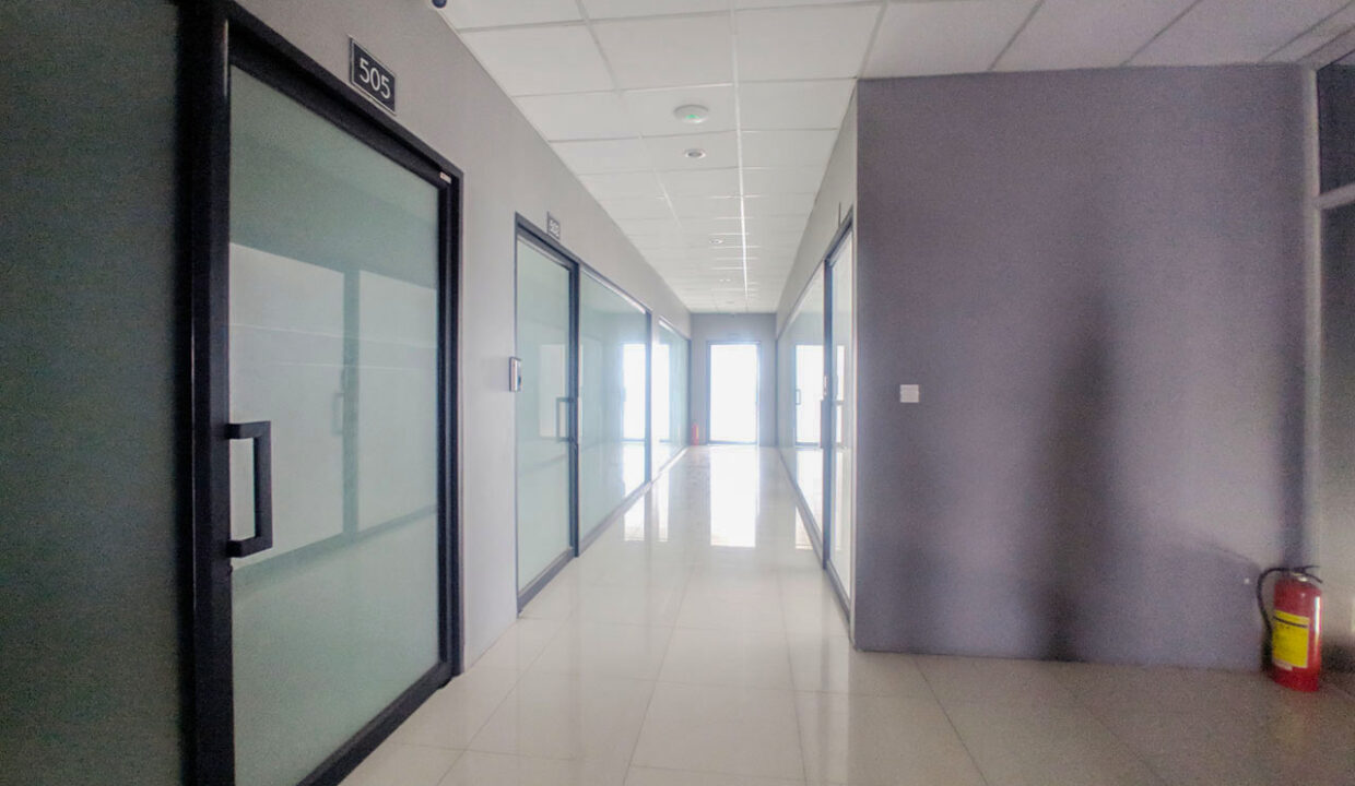 60 Sq M, Main Road Office Space For Rent @ BKK 1 Img4