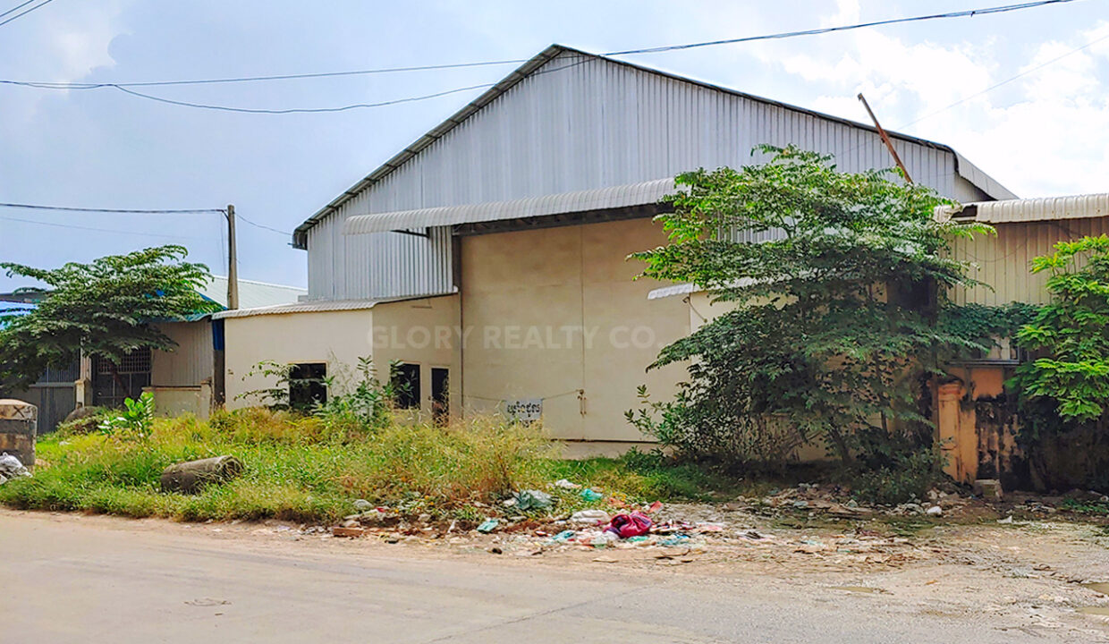 700 Sqm Warehouse For Rent @ Steung Meanchey Area Img1