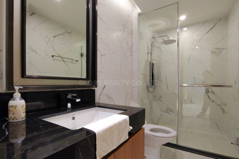 Amazing 2 Beds Condo With Garden, Pool For Rent Img5