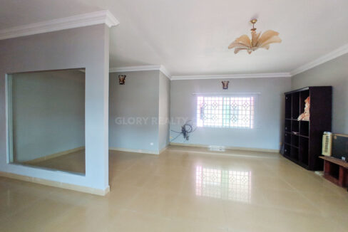 Big Playground Villa For Rent In Tuek Thla Area Img10