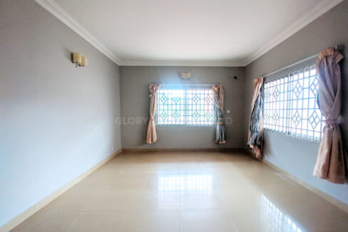 Big Playground Villa For Rent In Tuek Thla Area Img7