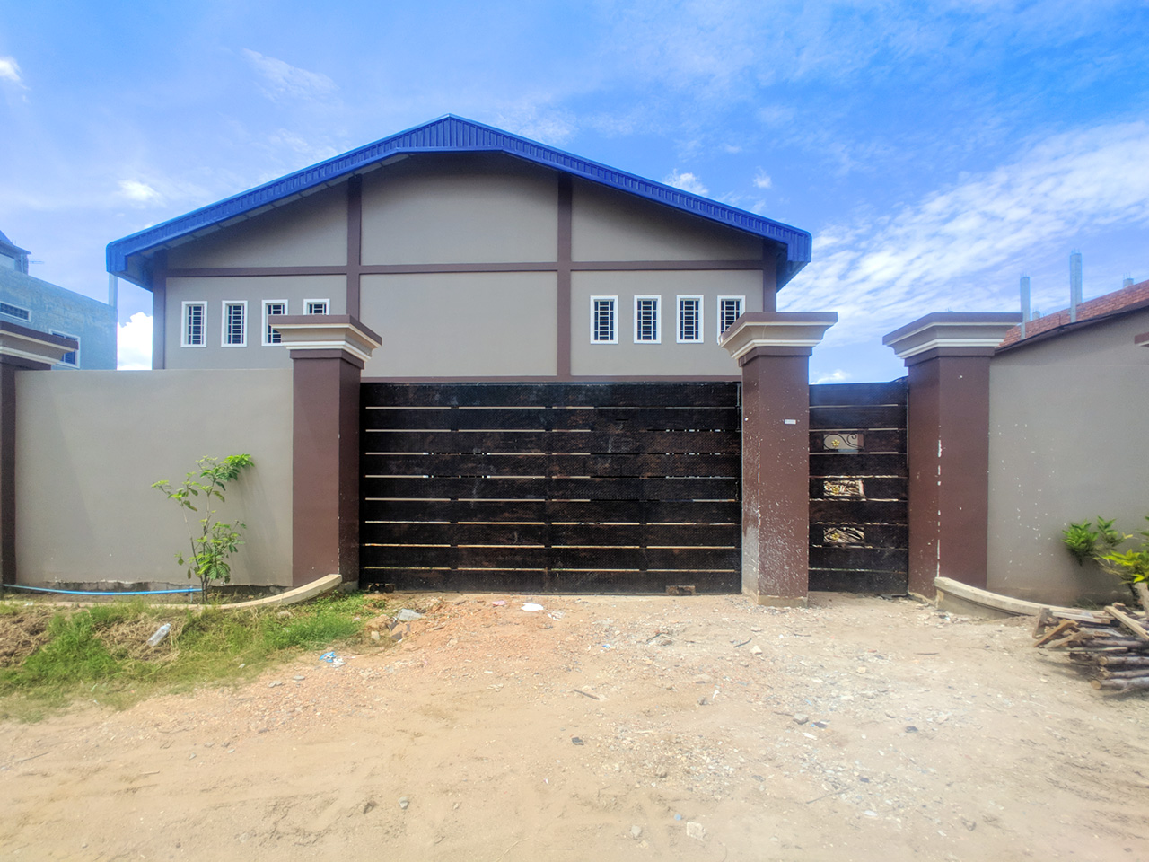 Brand new high standard 2 storeys warehouse for rent