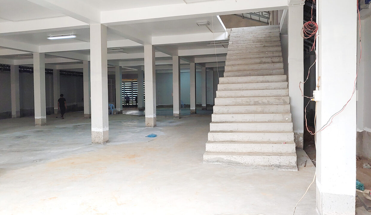 Brand New High Standard 2 Storeys Warehouse For Rent Img4