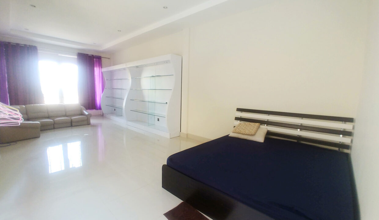 Fully Furnished 5 Bedrooms Flat House For Rent 300 M To AEON Mall II Img4