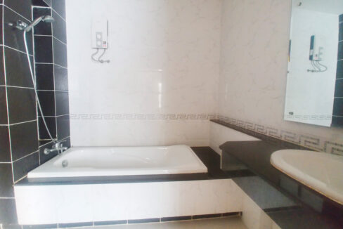 Fully Furnished 5 Bedrooms Flat House For Rent 300 M To AEON Mall II Img5